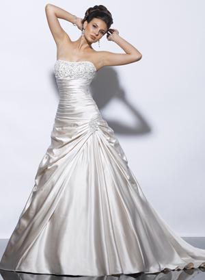 Posezonní prodej svatebních šatů d58d93eb8a